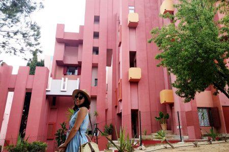 Arquitectura, interiorismo y uso del color en la Muralla Roja de Calpe.